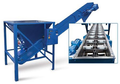 Drag Chain Conveyor engineered to efficiently and reliably move and meter the foundry sand into casting flasks | Hapman.com